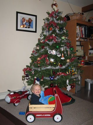 Toddler and the tree (radio flyer ad??)