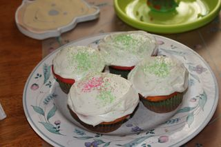 Rainbow cupcakes frosted